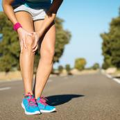 800-runner-with-knee-injury